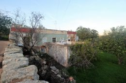 Large plot with ruin and beautiful views on quiet location in Vale Telheiro